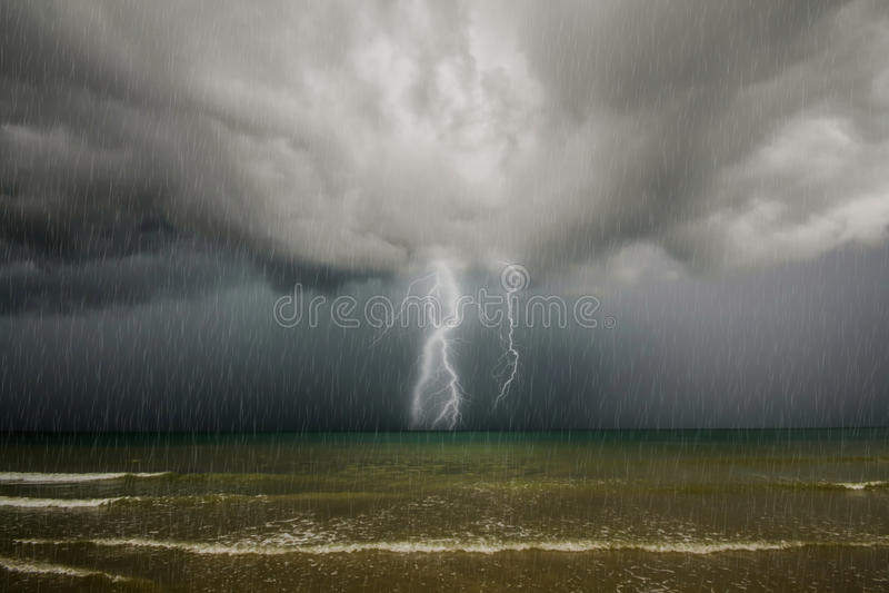 Θύελλα βροντής. στοκ εικόνες