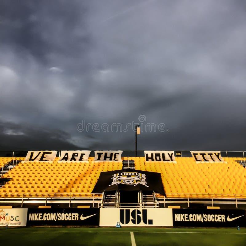 Θύελλα πέρα από το στάδιο Blackbaud πριν από το παιχνίδι ποδοσφαίρου στοκ εικόνες με δικαίωμα ελεύθερης χρήσης