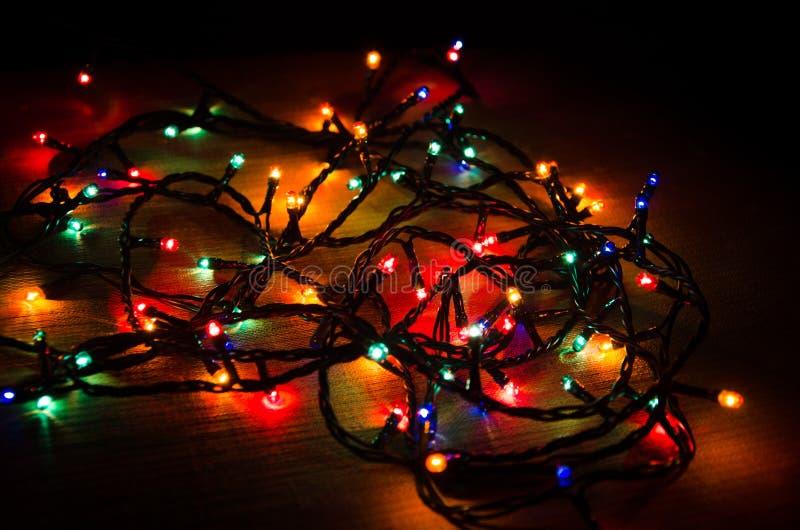 διάνυσμα απεικόνισης γιρλαντών Χριστουγέννων καρτών ανασκόπησης στοκ εικόνα