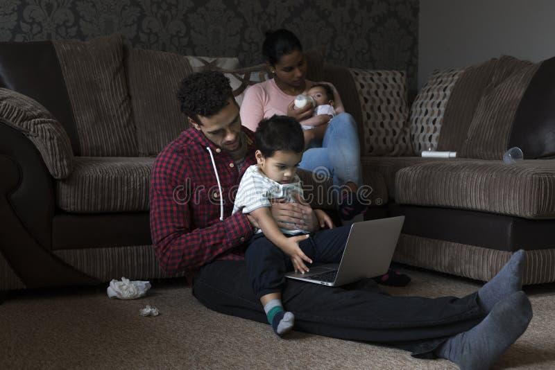 διάνυσμα εικόνας οικογενειακών κατοικιών jpg στοκ φωτογραφίες με δικαίωμα ελεύθερης χρήσης