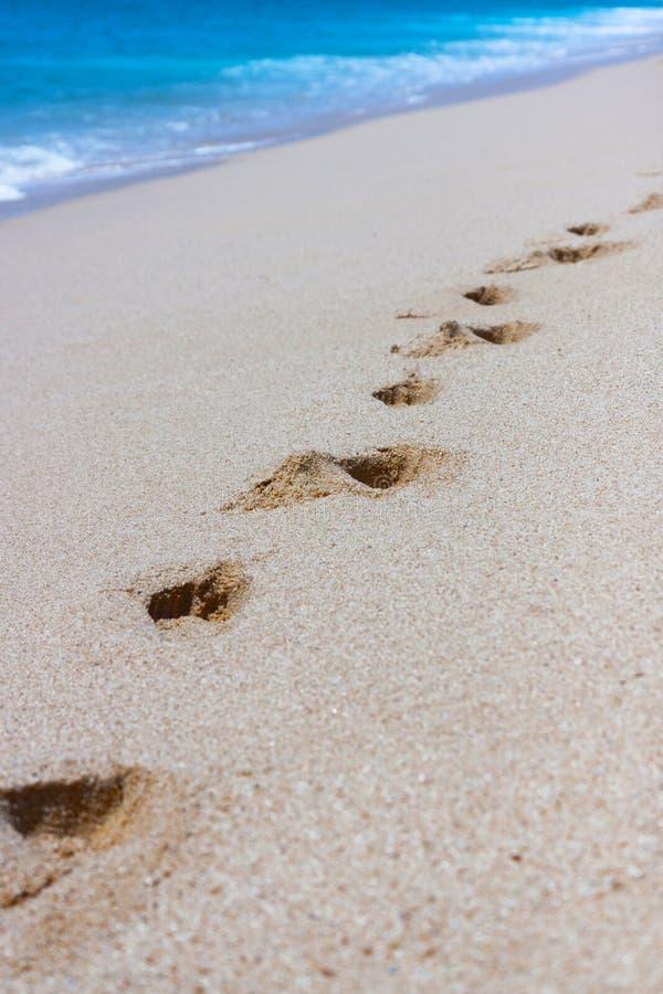 διακοπές θερινών διαδρομών άμμου τυπωμένων υλών ποδιών παραλιών στοκ εικόνες με δικαίωμα ελεύθερης χρήσης