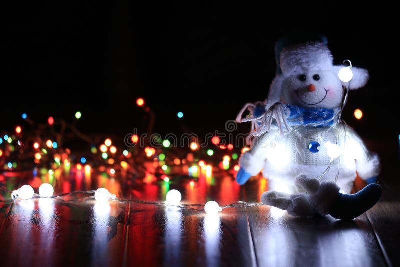 διακοσμήσεις Χριστουγέννων κλάδων κιβωτίων σφαιρών handbell στοκ εικόνες