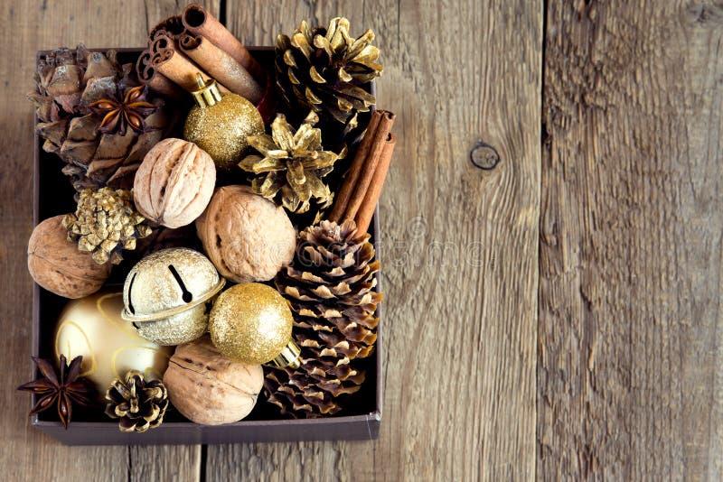 Download διακόσμηση Χριστουγέννων στοκ εικόνες. εικόνα από μπιχλιμπιδιών - 62719372