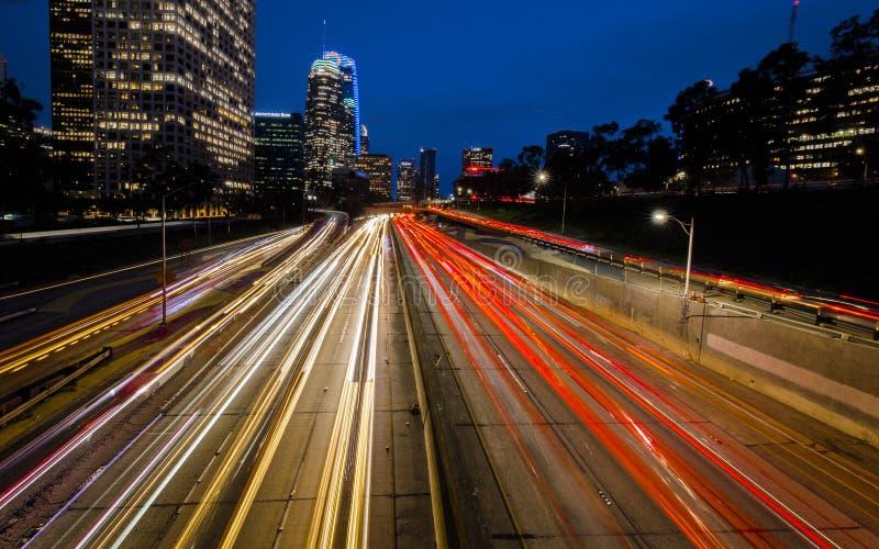 20 ΙΑΝΟΥΑΡΊΟΥ 2019, ΛΟΣ ΑΝΤΖΕΛΕΣ, ασβέστιο, ΗΠΑ - Καλιφόρνια 110 νότος οδηγεί στο στο κέντρο της πόλης Λος Άντζελες με τα ραβδωμέ στοκ εικόνες