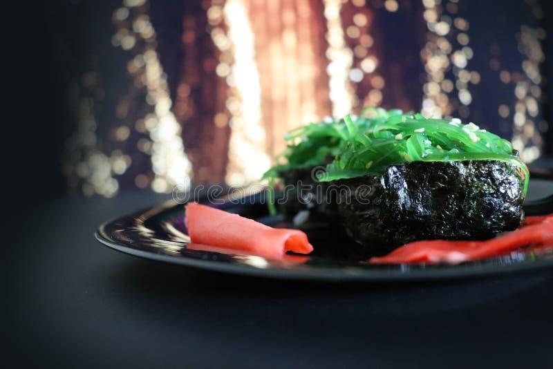 Ιαπωνικά τρόφιμα Σούσια Χριστουγέννων Σούσια Chuka στοκ εικόνες