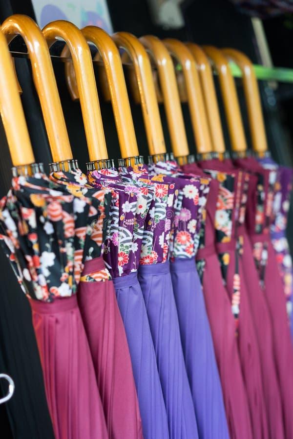 Ιαπωνικές ομπρέλες για την πώληση στοκ φωτογραφίες