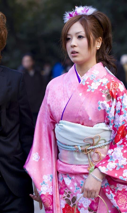 Ιαπωνική ενηλικίωση κιμονό κοριτσιών (seijin shiki) στοκ εικόνα με δικαίωμα ελεύθερης χρήσης