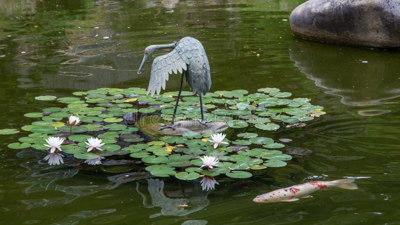 Ιαπωνική ντροπαλή λίμνη κήπων τσαγιού στοκ εικόνα με δικαίωμα ελεύθερης χρήσης