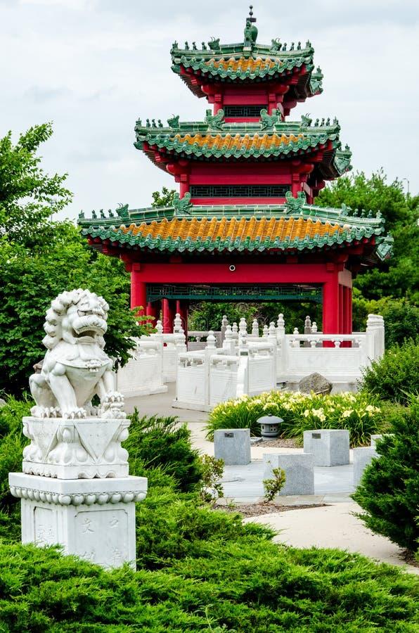 Ιαπωνικός κήπος της Zen παγοδών στοκ εικόνα με δικαίωμα ελεύθερης χρήσης