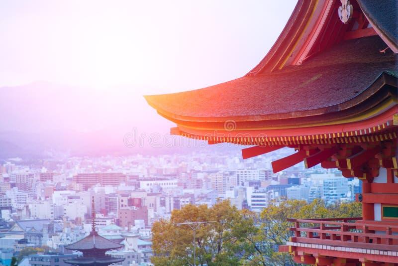 Ιαπωνικός ναός Taisan-taisan-ji με τη εικονική παράσταση πόλης του Κιότο στοκ φωτογραφία με δικαίωμα ελεύθερης χρήσης