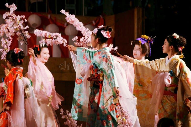 Ιαπωνικός χορός Sakura στοκ φωτογραφία