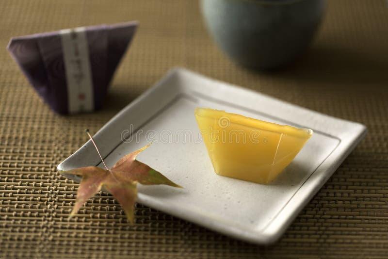 Ιαπωνικό επιδόρπιο με το τσάι στοκ φωτογραφίες με δικαίωμα ελεύθερης χρήσης
