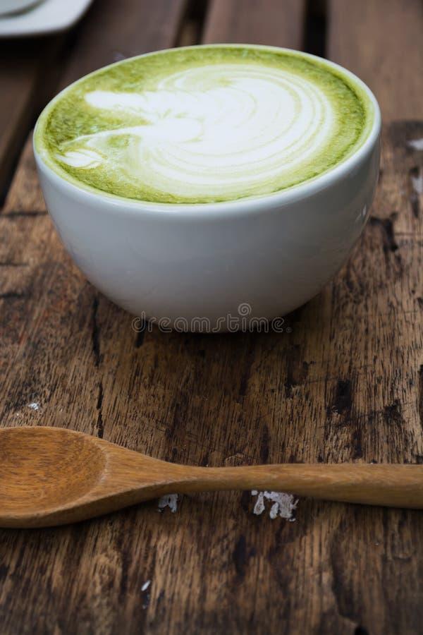 Ιαπωνικό ποτό, φλυτζάνι Latte cha χαλιών του πράσινου τσαγιού στοκ εικόνες