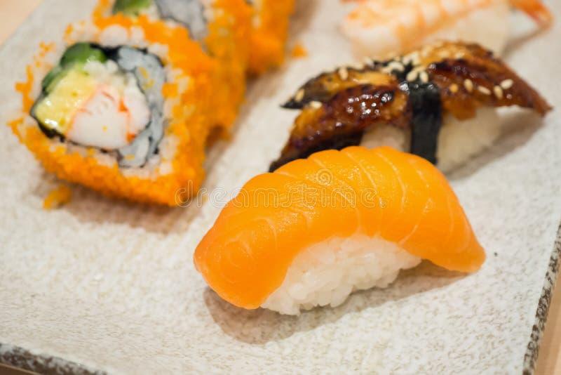 ιαπωνικό σύνολο σούσι maki στοκ φωτογραφία με δικαίωμα ελεύθερης χρήσης