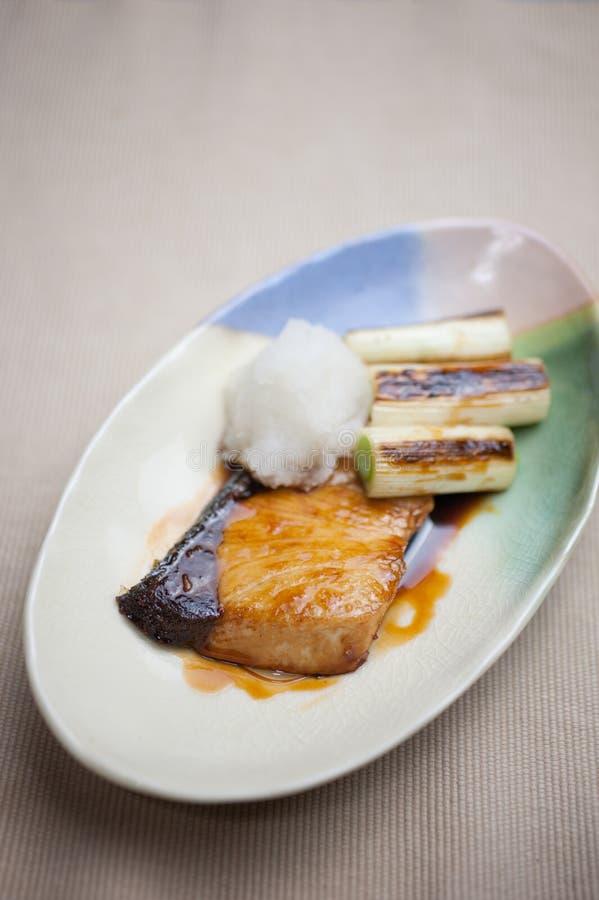 Ιαπωνικό Yellowtail) teriyaki Buri κουζίνας ( στοκ εικόνα