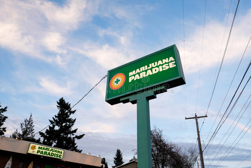 Ιατρείο δοχείων παραδείσου μαριχουάνα στο Πόρτλαντ Όρεγκον στοκ εικόνες