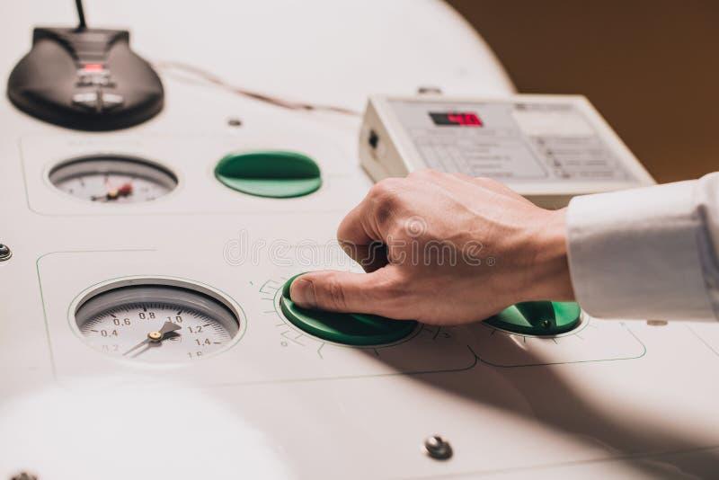 Ιατρικός εξοπλισμός καθιέρωσης χεριών στοκ εικόνα με δικαίωμα ελεύθερης χρήσης