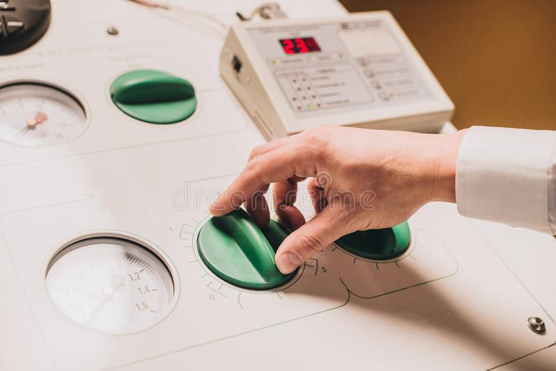 Ιατρικός εξοπλισμός καθιέρωσης χεριών στοκ φωτογραφία με δικαίωμα ελεύθερης χρήσης