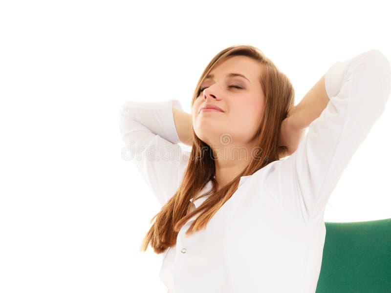 ιατρικός Κουρασμένο Overowrked τέντωμα γιατρών γυναικών στοκ φωτογραφία με δικαίωμα ελεύθερης χρήσης