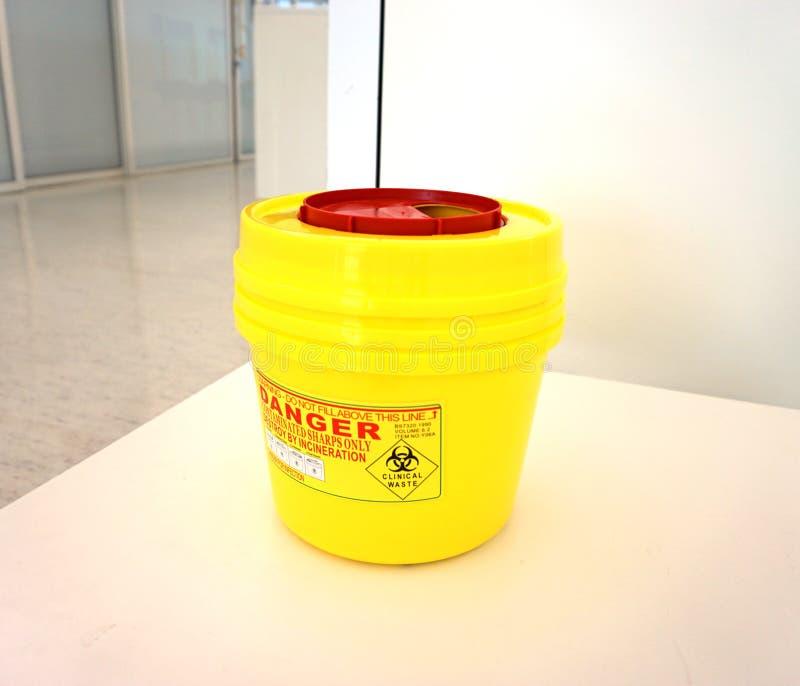 Ιατρικό εμπορευματοκιβώτιο Biohazard στοκ φωτογραφία