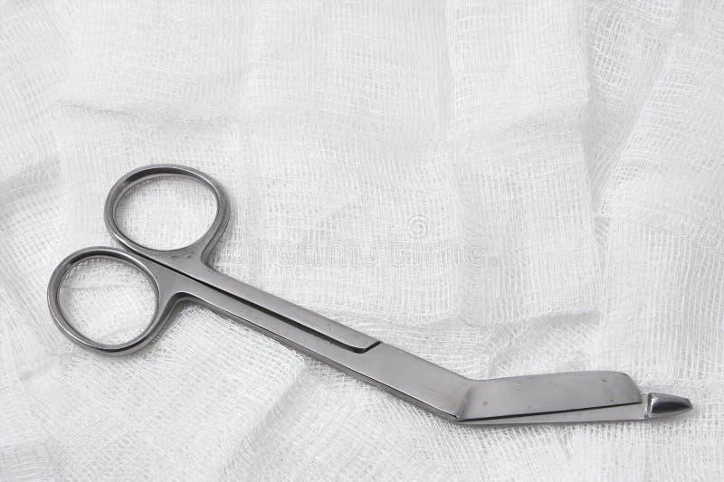 Download ιατρικό ψαλίδι γάζας στοκ εικόνα. εικόνα από χάλυβας, χειρουργικός - 1541715