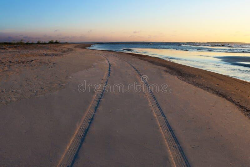 Download διαδρομές στοκ εικόνες. εικόνα από hilton, ηλιοβασίλεμα - 62701008