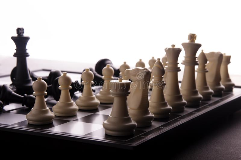 Ιδέα της έννοιας επιχειρησιακής στρατηγικής Έξυπνη επιχείρηση ιδέας σκέψης με το επιτραπέζιο παιχνίδι σκακιού 9 στοκ φωτογραφία