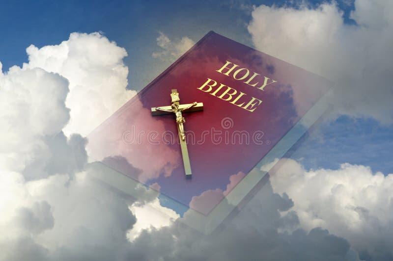 Ιερή Βίβλος στον ουρανό στοκ φωτογραφία