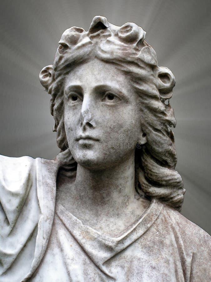 ιερή γυναίκα αγαλμάτων στοκ φωτογραφίες