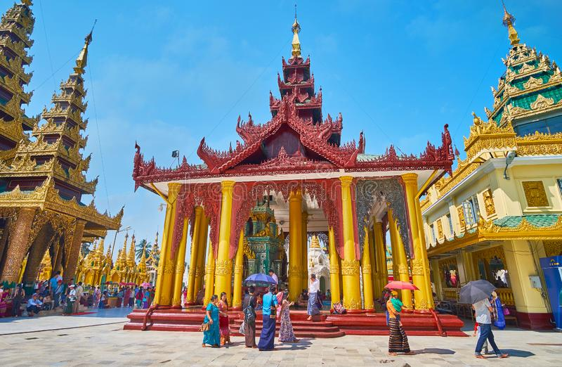Ιερή πλύση λειψάνων τρίχας καλά, Shwedagon, Yangon, το Μιανμάρ στοκ φωτογραφίες με δικαίωμα ελεύθερης χρήσης