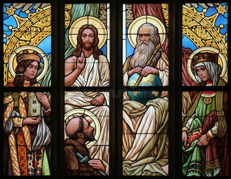 ιερή τριάδα Λεκιασμένο παράθυρο γυαλιού τέχνης Nouveau στοκ εικόνα με δικαίωμα ελεύθερης χρήσης