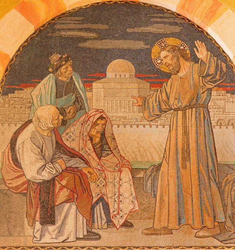 Ιερουσαλήμ - Ιησούς μεταξύ των γραφέων Μωσαϊκό στις χορωδίες της εβαγγελικής λουθηρανικής εκκλησίας της ανάβασης στοκ φωτογραφίες με δικαίωμα ελεύθερης χρήσης