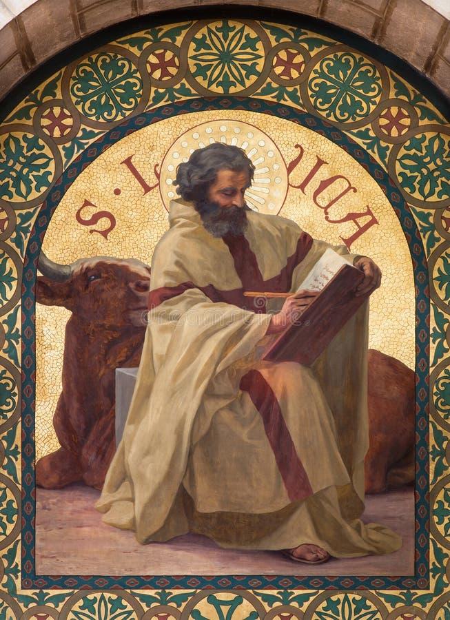 Ιερουσαλήμ - το χρώμα Αγίου Luke ο Ευαγγελιστής στην εκκλησία του ST Stephens από το έτος 1900 από το Joseph Aubert στοκ εικόνες