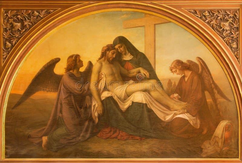 Ιερουσαλήμ - το χρώμα Pieta με τους αγγέλους στην εβαγγελική λουθηρανική εκκλησία της ανάβασης στοκ φωτογραφία με δικαίωμα ελεύθερης χρήσης