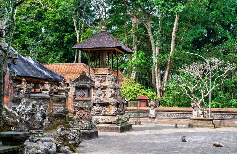 Ιερός Δαλέμ Αγκούγκ Πανταγγγκάλ Ναός στο Καταφύγιο Δασών Πιθήκων στο Μπαλί της Ινδονησίας στοκ εικόνες
