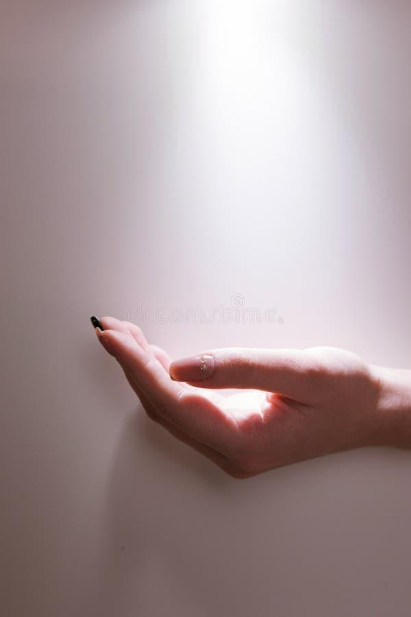 Ιερό ελαφρύ θαύμα πίστης προσευχής χεριών στοκ φωτογραφίες με δικαίωμα ελεύθερης χρήσης