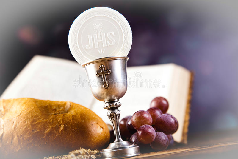 Ιερό ψωμί κοινωνίας, κρασί στοκ εικόνα με δικαίωμα ελεύθερης χρήσης