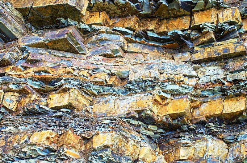 Ιζηματώδεις βράχοι Carpathians Ουκρανία στοκ εικόνα με δικαίωμα ελεύθερης χρήσης