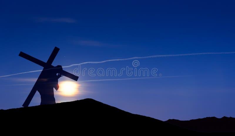Ιησούς Χριστός που φέρνει το σταυρό επάνω σε Calvary στη Μεγάλη Παρασκευή στοκ φωτογραφία με δικαίωμα ελεύθερης χρήσης