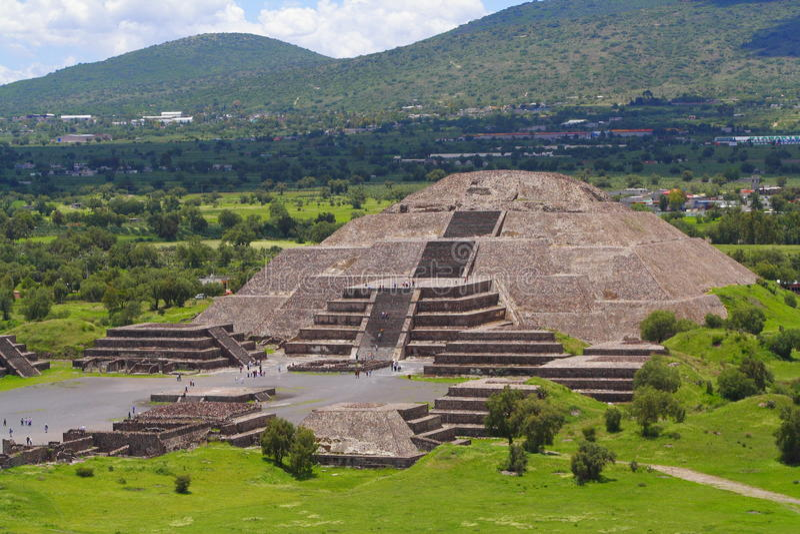 ΙΙ πυραμίδα φεγγαριών στοκ εικόνες με δικαίωμα ελεύθερης χρήσης