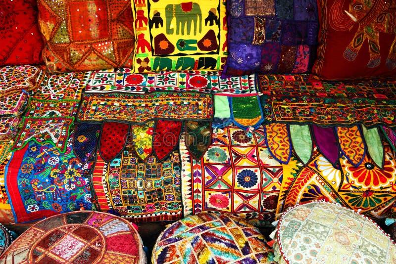 ινδικά μαξιλάρια ταπήτων στοκ εικόνα με δικαίωμα ελεύθερης χρήσης