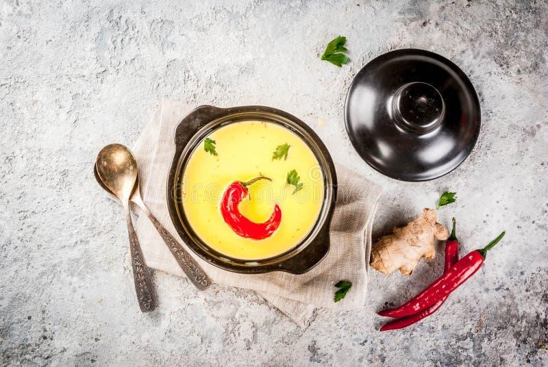 Ινδικά τρόφιμα, Gujarati Kadhi στοκ φωτογραφίες