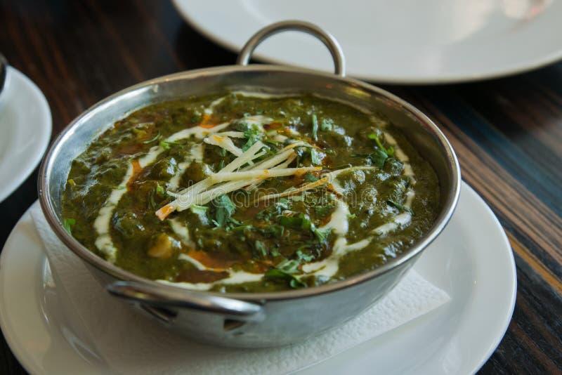 Ινδικά τρόφιμα palak paneer στοκ εικόνα