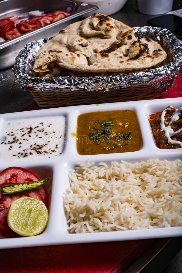 Ινδική εικόνα τροφίμων για την παραγωγή κάποιου postie vibes στοκ φωτογραφία