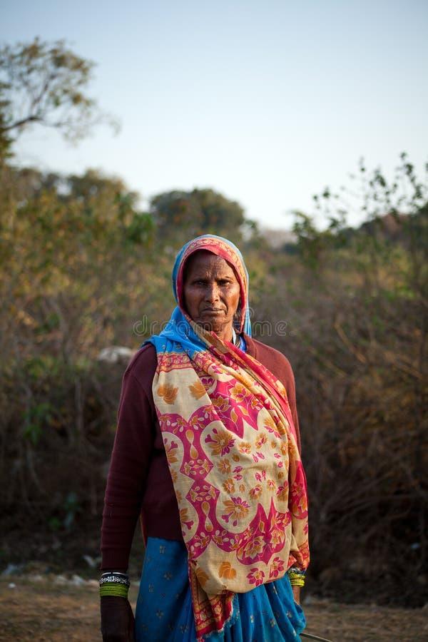 ινδική ηλικιωμένη γυναίκα & στοκ φωτογραφία με δικαίωμα ελεύθερης χρήσης