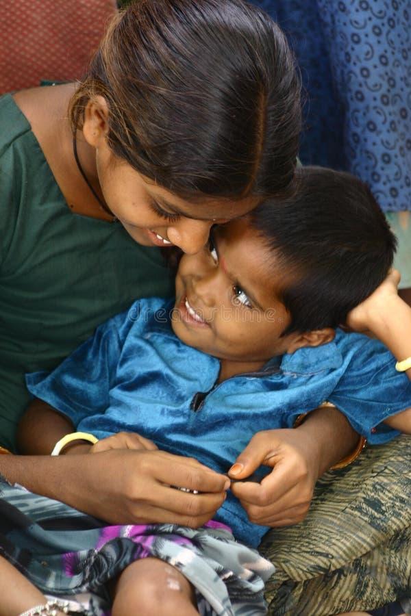 Ινδικοί φτωχοί αδελφός και αδελφή στοκ εικόνα με δικαίωμα ελεύθερης χρήσης