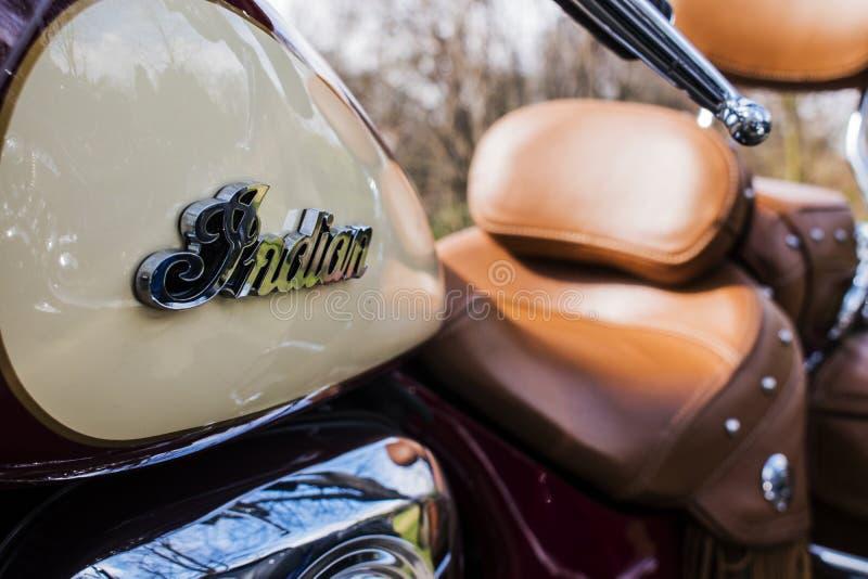 Ινδικό λογότυπο μοτοσικλετών στην εκλεκτής ποιότητας μοτοσικλέτα ύφους στοκ φωτογραφίες με δικαίωμα ελεύθερης χρήσης
