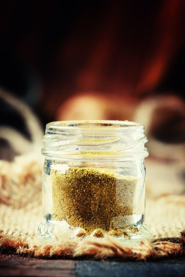 Ινδικό masala καρυκευμάτων garam σε ένα βάζο γυαλιού, εκλεκτική εστίαση στοκ εικόνες με δικαίωμα ελεύθερης χρήσης