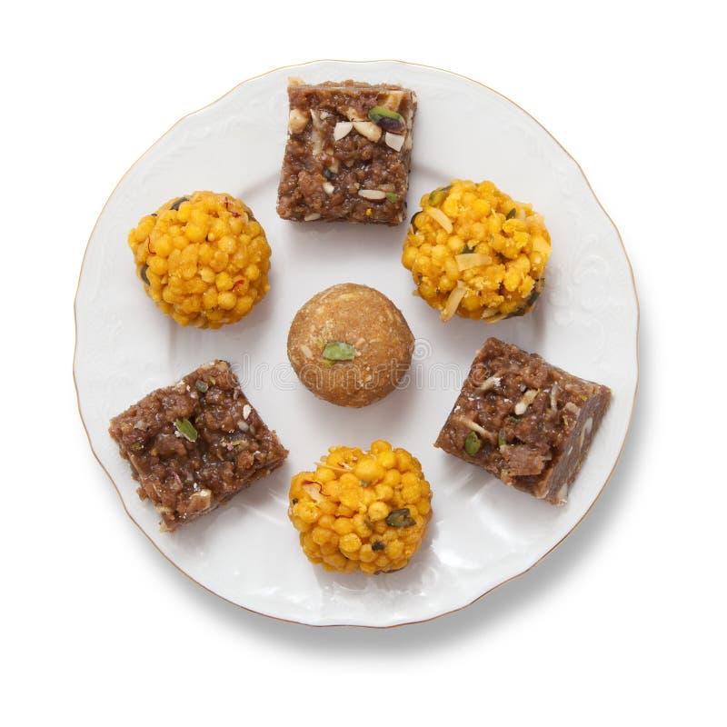 Ινδικά γλυκά σε ένα πιάτο στοκ φωτογραφία με δικαίωμα ελεύθερης χρήσης