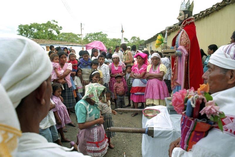 Ινδικό θρησκευτικό τελετουργικό που προσεύχεται για το SAN Pedro στοκ εικόνα με δικαίωμα ελεύθερης χρήσης